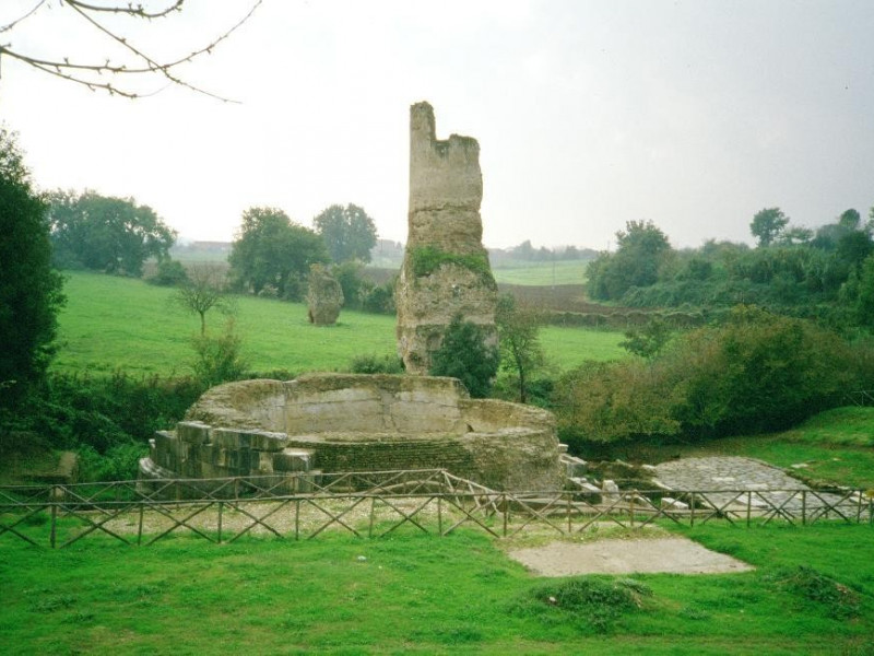 Parco archeologico jpg; 3289 pixels; 2141 pixels