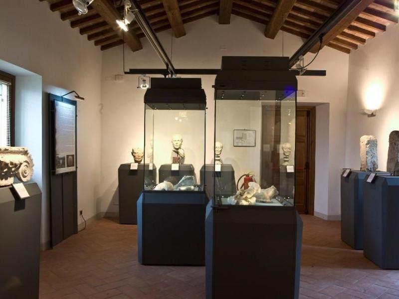 Antiquarium di San Fulgenzio. Sala espositiva jpg; 3008 pixels; 2000 pixels