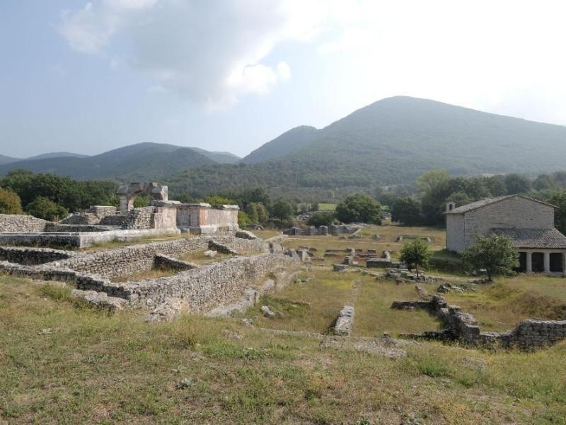 Parco archeologico di Carsulae. Impianto term ; jpg; 2126 pixels; 1417 pixels