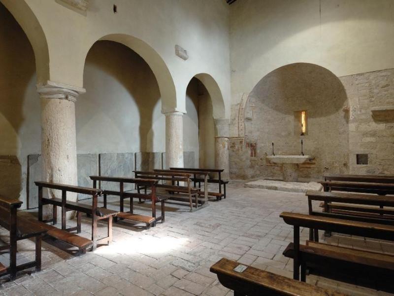 Parco archeologico di Carsulae. Chiesa dei SS ; jpg; 2126 pixels; 1417 pixels