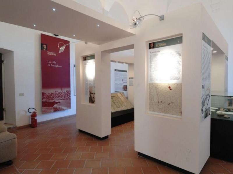 Interno. Sala espositiva. Fedeli, Marcello; jpg; 768 pixels; 511 pixels