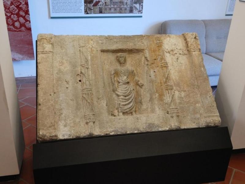 Esposizione: Reperto archeologico. Fedeli, Marcello; jpg; 768 pixels; 511 pixels