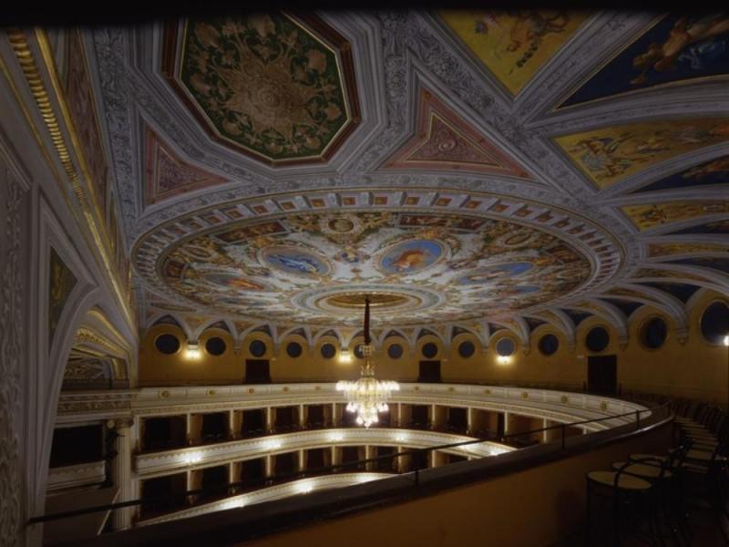 Teatro Luigi Mancinelli. Interno. Loggione e  Ficola, Paolo; jpg; 768 pixels; 620 pixels