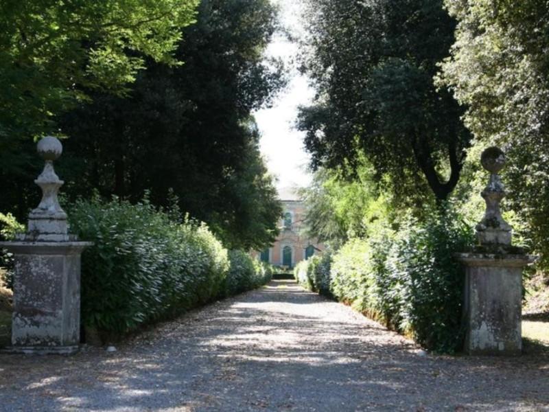 Villa Paolina. Il viale d'ingresso.  Parco Tecnologico 3A-Progetto Ville e Giardini Regione Umbria; jpg; 768 pixels; 512 pixels