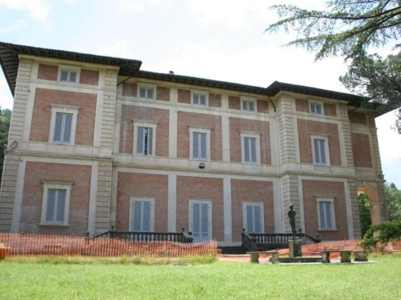 """Villa Franchetti """"Villalago"""". Facciata poster Parco Tecnologico 3A-Progetto Ville e Giardini Regione Umbria; jpg; 768 pixels; 512 pixels"""