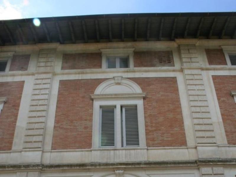 """Villa Franchetti """"Villalago"""". Facciata d'ingr Parco Tecnologico 3A-Progetto Ville e Giardini Regione Umbria; jpg; 512 pixels; 768 pixels"""