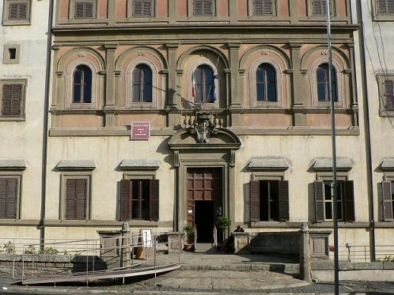 Palazzo Altieri, facciata