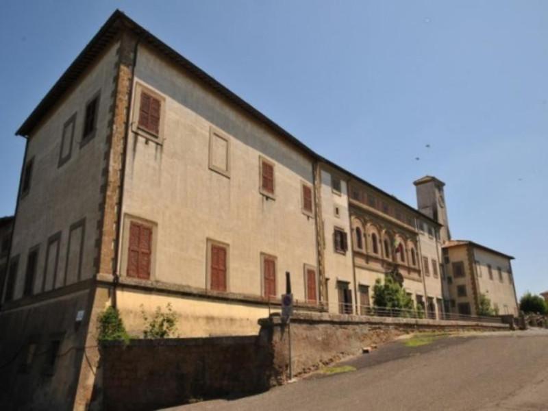 Oriolo Romano, Palazzo Altieri