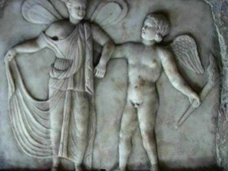 Mitreo, rilievo marmoreo con Amore e Psiche