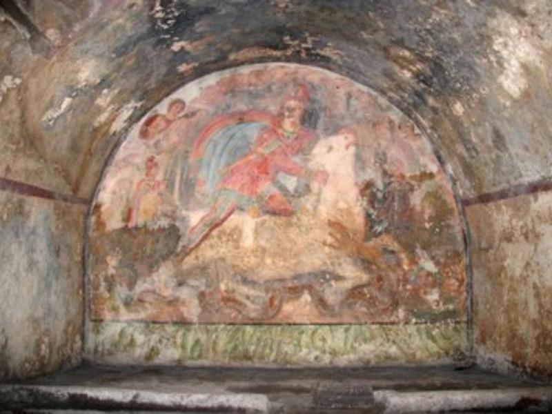Mitreo, veduta dell'interno del sacello affre