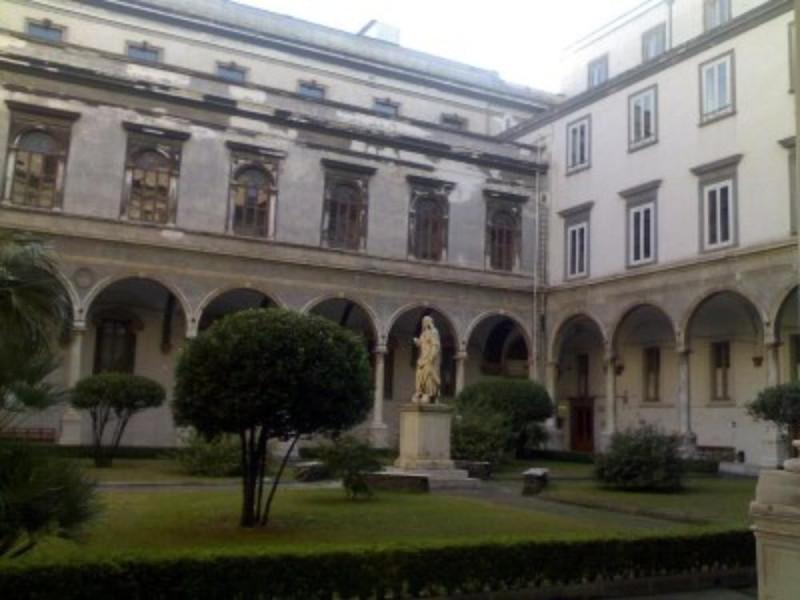 Chiostro del convento dei Santi Severino e So