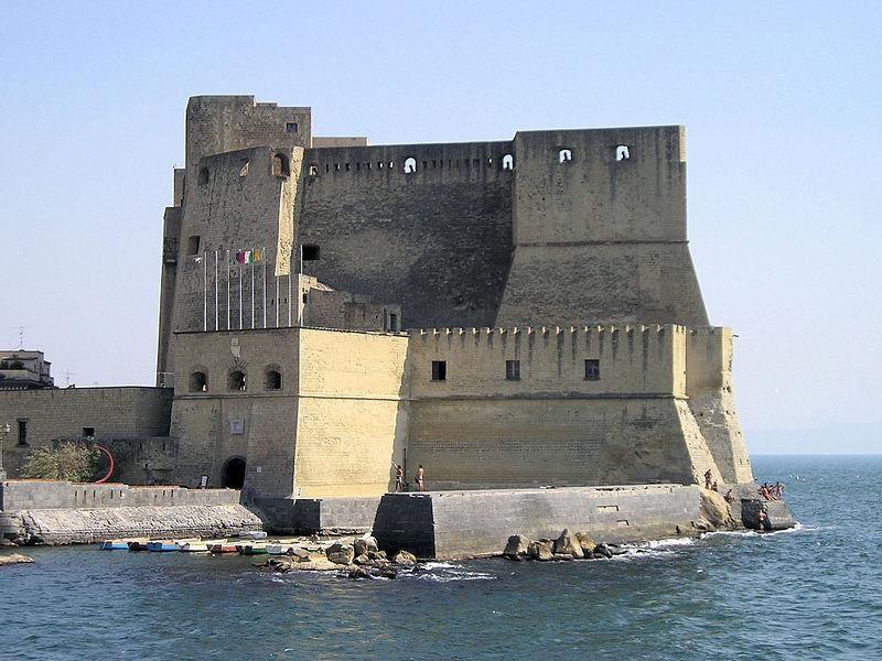 Castel dell'Ovo, sede del Museo Etnopreistorico
