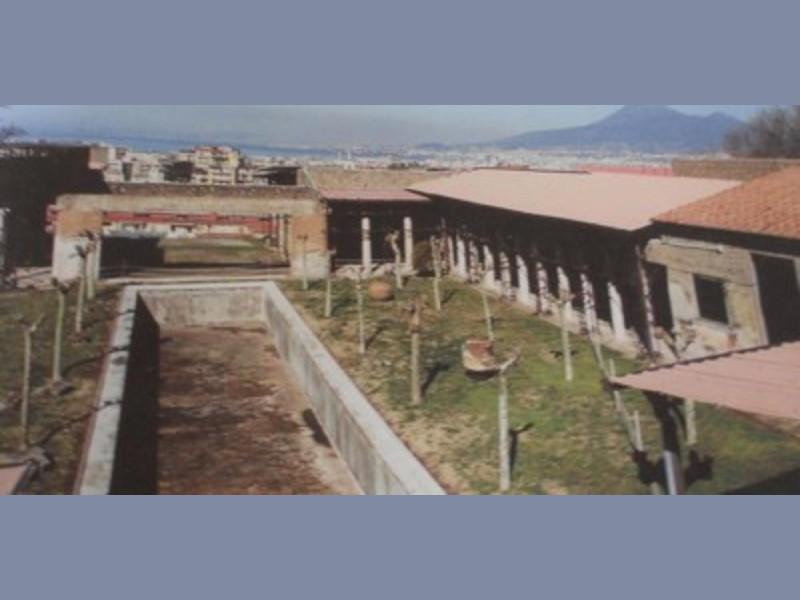 Villa San Marco, particolare dellì'area porti