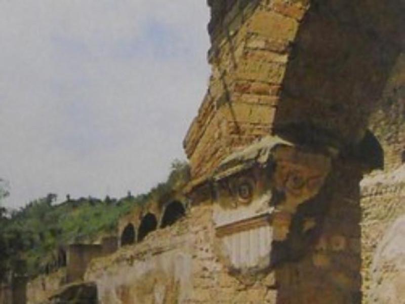 Parco archeologico, veduta di scorcio del por
