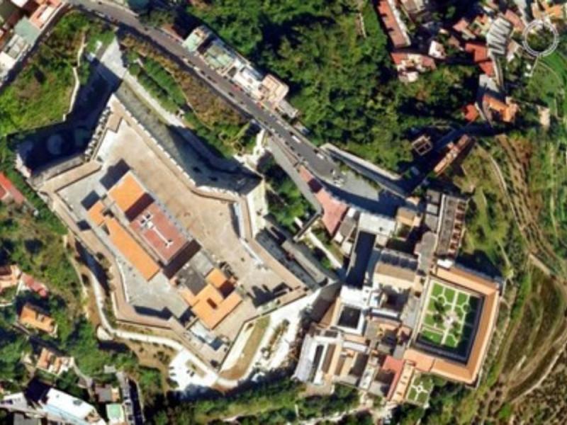 Veduta aerea Castel Sant'Elmo e Certosa di S