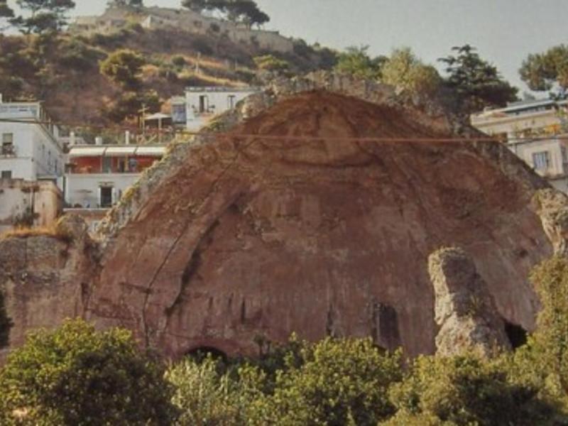 Tempio c.d. di Diana, veduta dell'interno