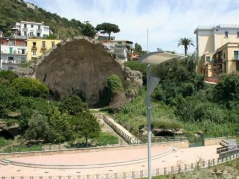 Tempio c.d. di Diana, veduta ravvicina dell'i