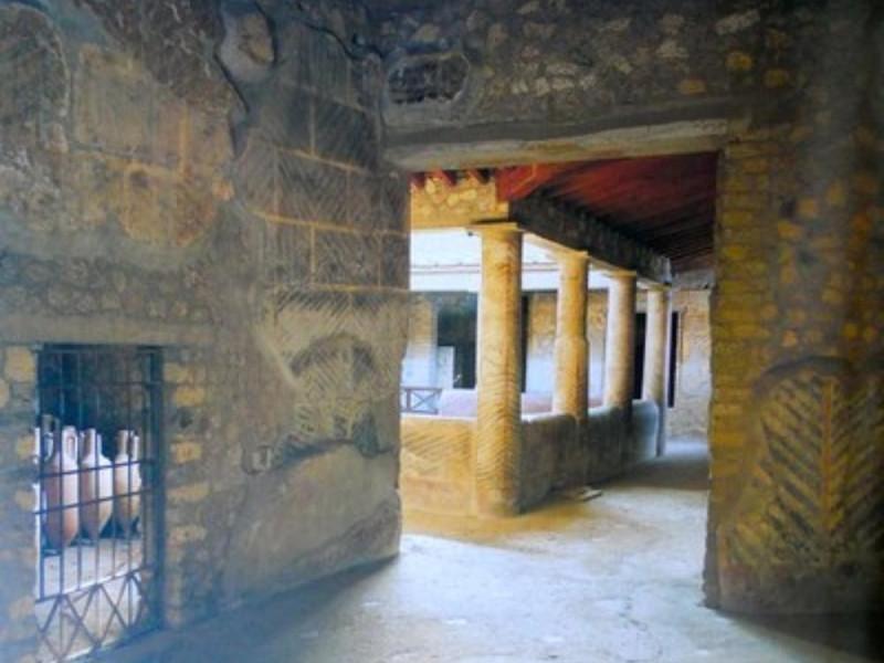 Villa di Poppea, portico interno con ambienti