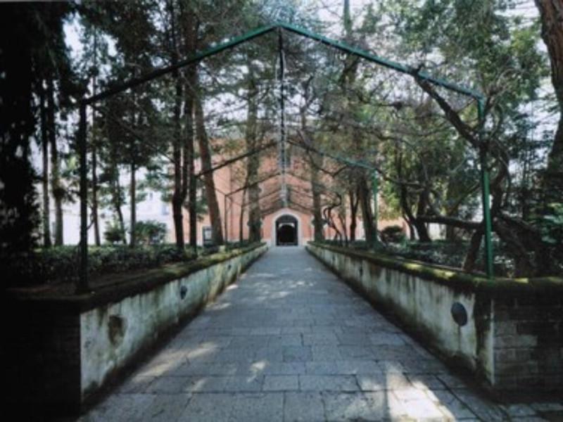 Veduta del giardino del Carcere Borbonico
