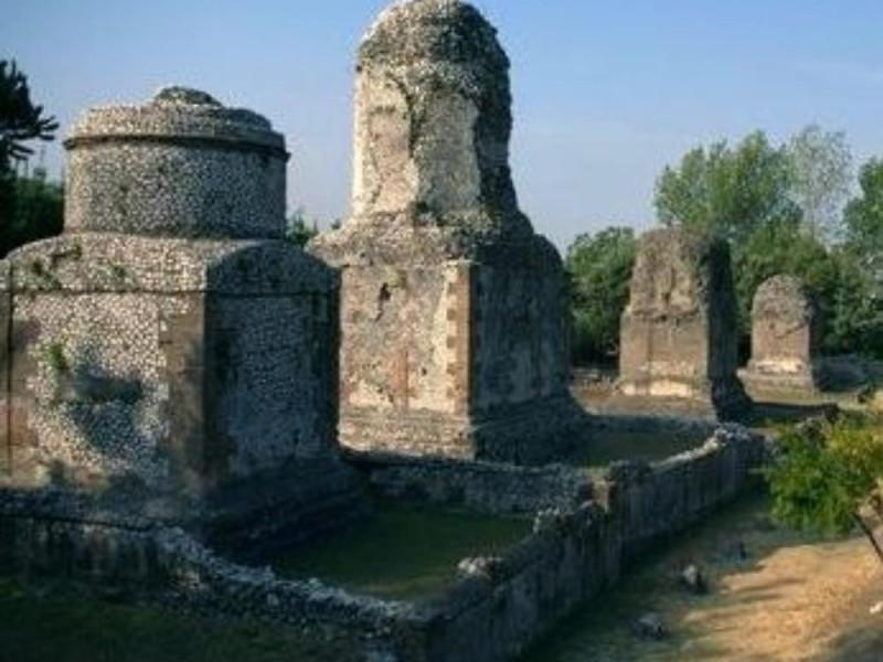 Avella, area archeologica della necropoli, pa