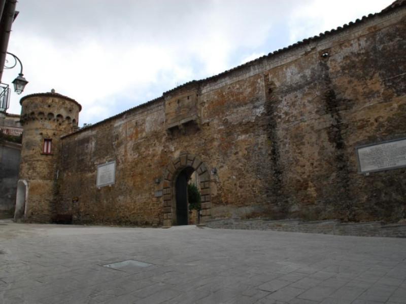 Palazzo de Vargas, esterno