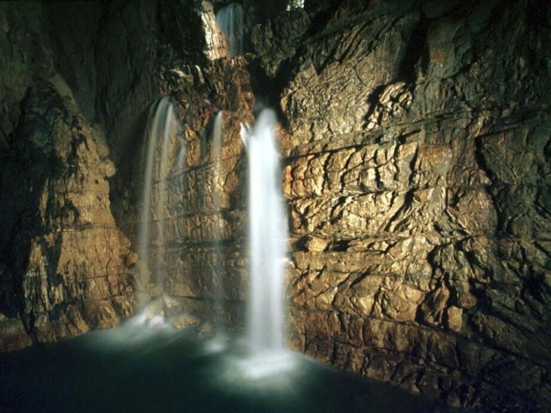 Grotte di Stiffe, Cascata