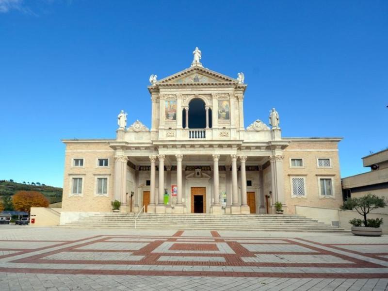 Facciata Antica Basilica
