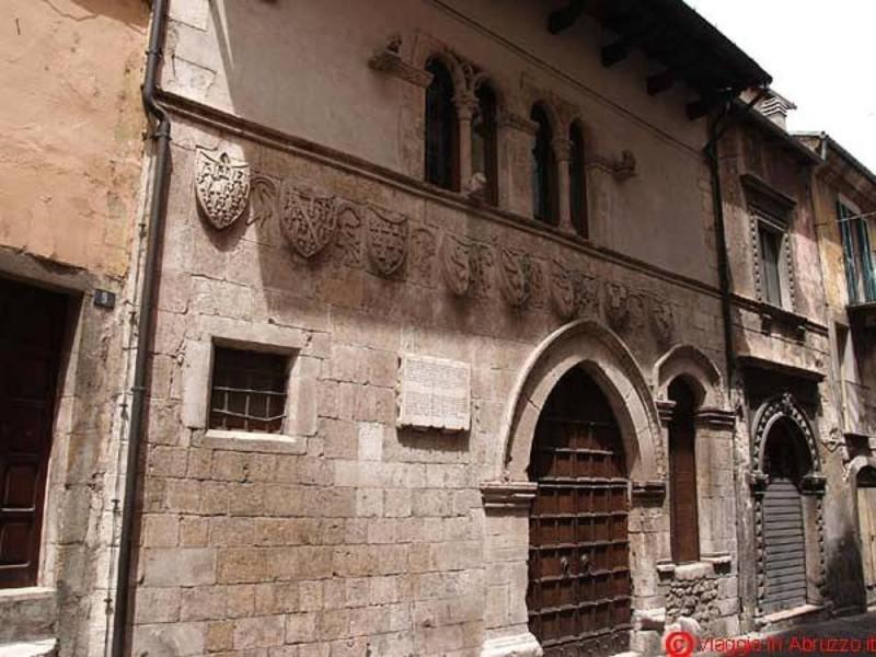Popoli, Palazzo Ducale