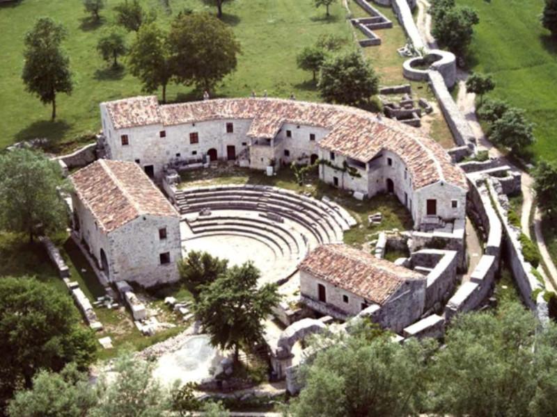 Località Altilia - teatro romano