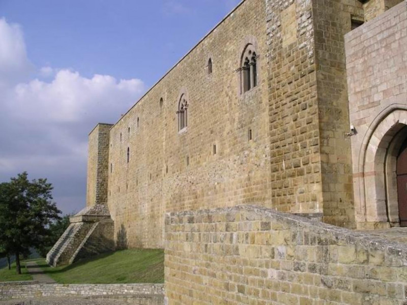 Avigliano, Castello di Lagopesole