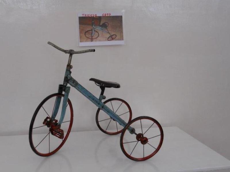 triciclo depoca 1897 in ferro battuto