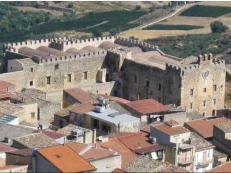 Castello Beccadelli Bologna - sede del Museo