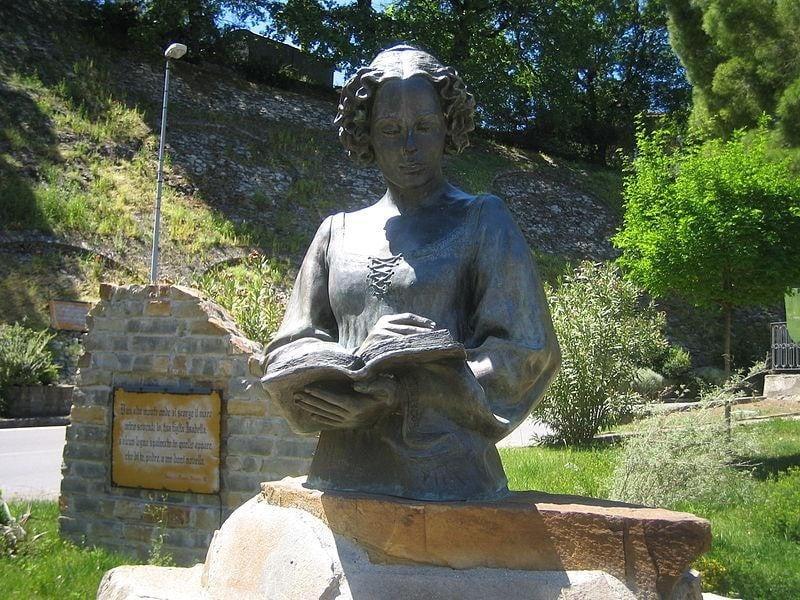 Busto della poetessa Isabella Morra