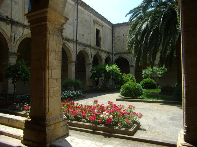 Convento dei Frati Minimi: chiostro