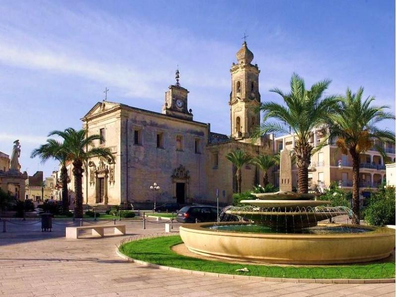 Piazza Castromediano