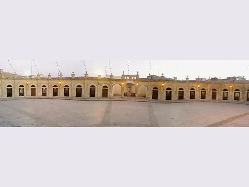 Basilica di Santa Maria Maggiore: loggiato