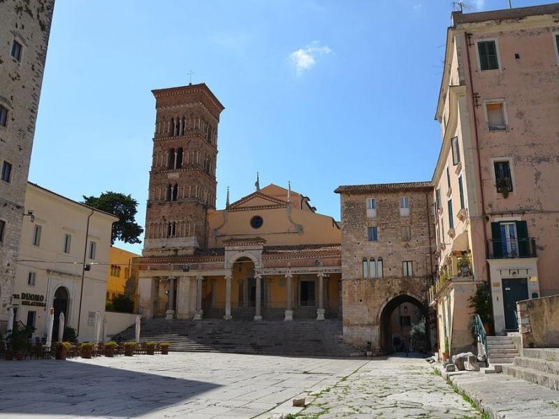 Complesso Monumentale del Foro Emiliano - Piazza Municipio