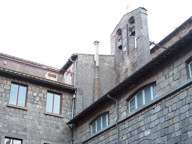 Chiesa di Santa Maria Nuova: chiostro Longobardo
