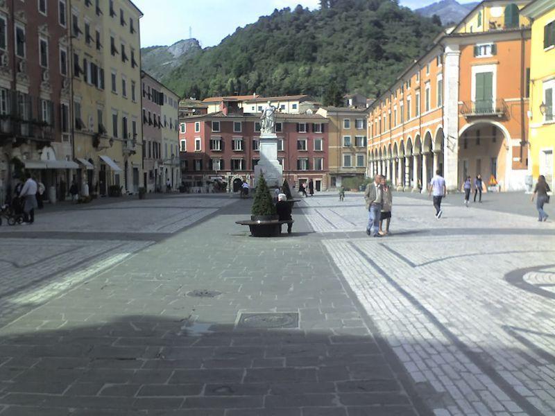 Piazza Alberica