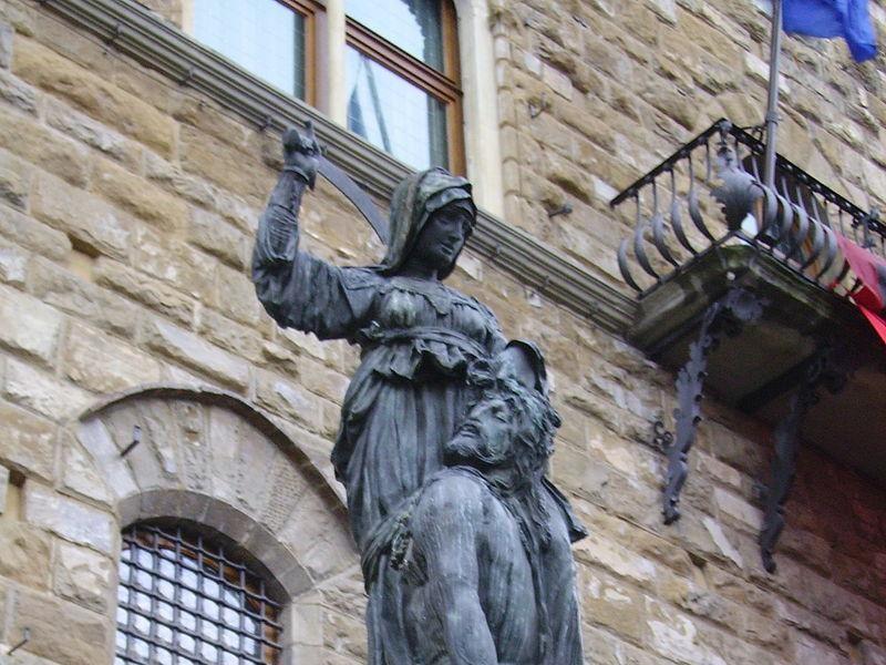 Piazza della Signoria: copia di Giuditta e Oloferne (Donatello)