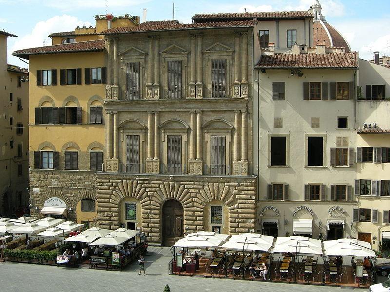 Piazza della Signoria: Palazzo Uguccioni