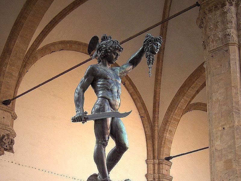 Loggia dei Lanzi: Perseo (Benvenuto cellini)