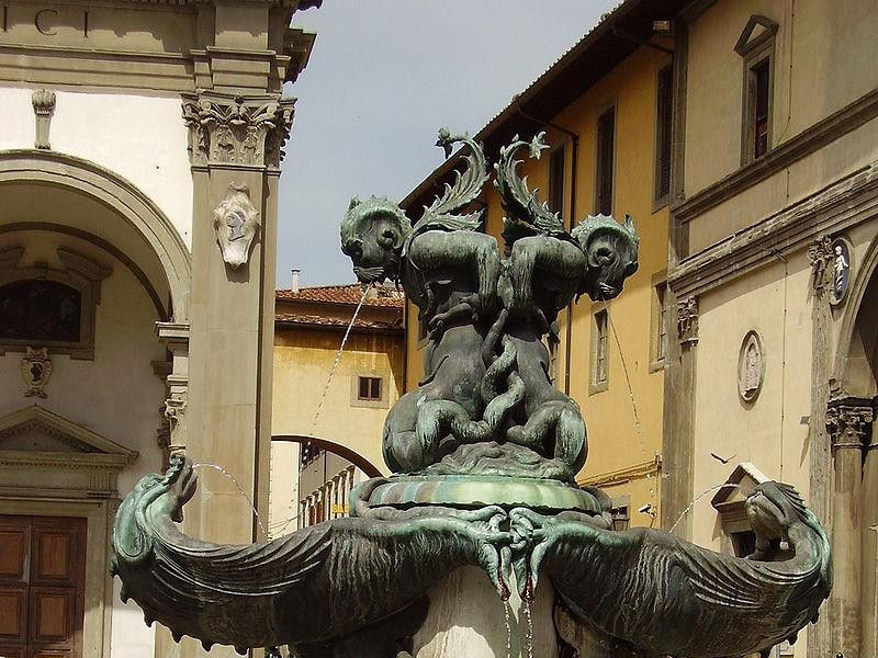 Piazza Santissima Annunziata: fontane dei mostri marini