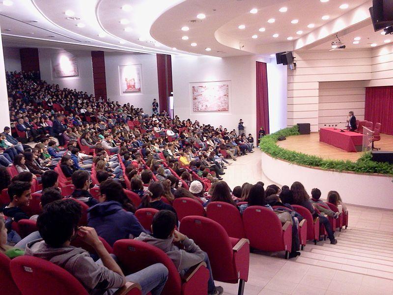 Liceo Classico Telesio: auditorium Guarasci