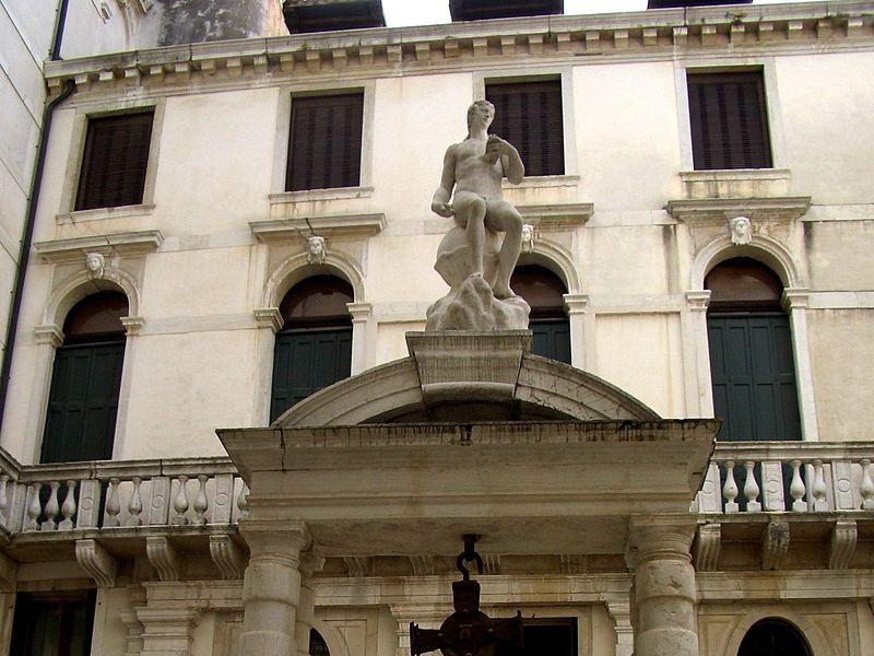 Ca' Pesaro: cortile interno