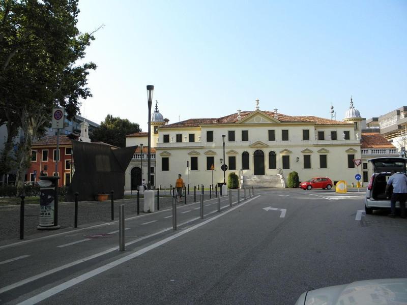 Biblioteca civica di Mestre