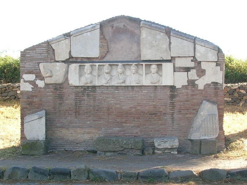 Appia Antica: sepolcro di Hilarius Fuscus