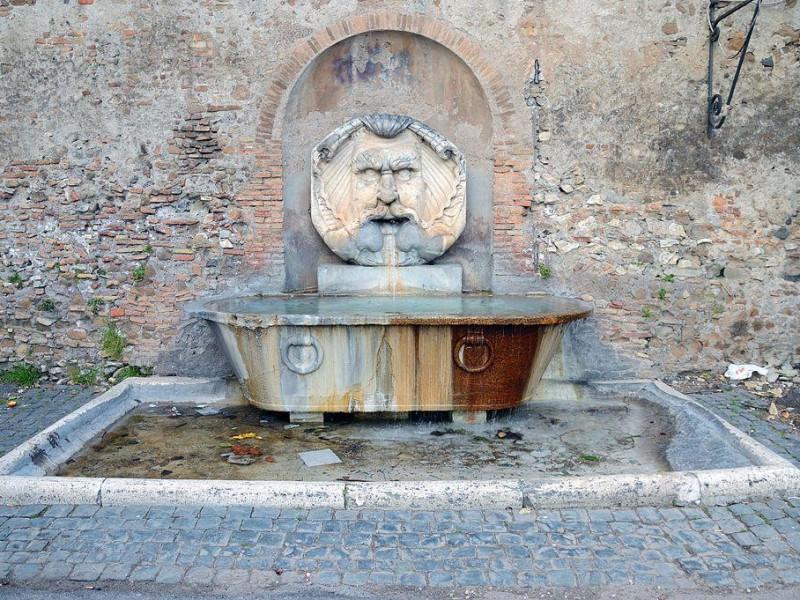 Giardino degli Aranci: fontana del mascherone