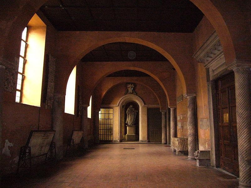 Basilica di Santa Sabina: portico