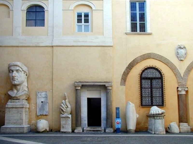 Palazzo dei Conservatori: statua colossale di Costantino I